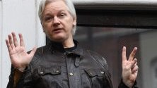 Създателят на Уикилийкс, Джулиан Асанж беше арестуван днес в посолството на Еквадор в Лондон по обвинения за сексуално насилие