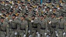 Ирански военен парад в Техеран, Иран по случай деня на армията. Според последните проучвания армията на Иран попада в топ 10 армии по численост в целия свят.