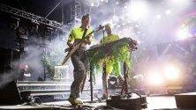 """Американското дуо """"Софи Тъкър"""" по време на участието им на фестивала Кочела. Фестивалът е едно от най- големите събития в Америка, който чества изкуствата във Палм Спрингс, Калифорния, Сащ."""
