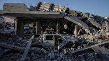В медиите беше съобщено, че над 600 ракети са били изстреляни в Израел от милитанти в Газа, които убиват четирима израелци. Израел отвърна с въздушни и артилерийски удари по палестинската територия, насочвайки се към 350 обекта, принадлежащи на Хамас и ислямския джихад, които доведоха до убиване на 23 палестинци.
