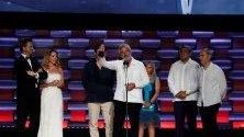 Испанският филм `Champions` получава наградата Platinum за най-добри филмови и образователни ценности по време на шестото издание на наградите Platino в парка Xcaret в Ривиера Мая, Мексико.