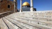 Джамията Ал-Акса, по време на свещения месец на мюсюлманите в Йерусалим.