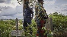 Конго е в епицентъра на кризата с Ебола с появата на множество нови случаи на заболели от заразата.