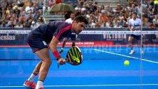 Maxi Sanchez в действие по време на полуфиналния мач на Aliseda Ledus Jaen Open, на World Padel Tour, в Хаен, Испания.