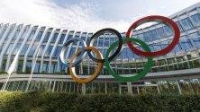 Гледка към олимпийските символи пред новото седалище на Международния олимпийски комитет (МОК) в Лозана, Швейцария.