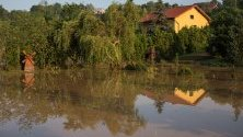 Поглед върху щетите на ферма след тежки бури, ударили село Wierzchowiska Pierwsze, източна Полша.