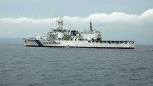 Патрулен кораб на японската брегова охрана маневрира по време на Упражнението за замърсяване на морето (Marpolex) на водите на Давао, Филипини.