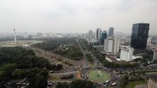 Гледка към Джакарта, Индонезия. Джакарта е столицата и най-големият град на Индонезия.