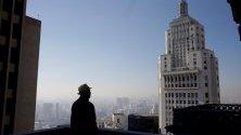 Изглед към сградата Мартинели в Сао Пауло, Бразилия. Тя е построена в центъра на Сао Пауло преди 90 години от италианския имигрант Джузепе Мартинели.