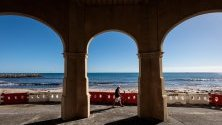 Изглед към плаж Cottesloe в Пърт, Австралия.