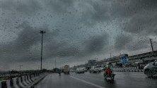 Дъждовен ден в Ню Делхи, Индия.