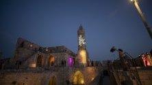 Кулата на Давид ,Йерусалим. Кулата на Давид – традиционно място за провеждане на градски празници, панаири народни занаяти, концерти.