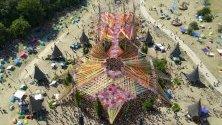 O.Z.O.R.A. фестивал, Унгария. O.Z.O.R.A.psychedelic trance festival e един от най-известните фестивали в Централна Европа. Запазената марка на фестивала остава ефектно построените сцени.