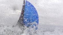 Надпревара с яхти по време на регата за купата на Lipton Challenge Cup, Кейптаун, Южна Африка.