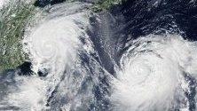 тайфунът Лекима (ляво) и тайфунът Кроса (дясно)