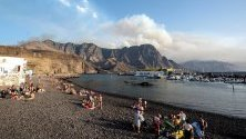 Бушуващ пожар на испанския ваканционен остров Гран Канария принуди властите да евакуират около 5000 души.
