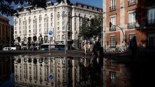 Мадрид след поройните дъждове, отнесли коли и оставили части от града под вода.
