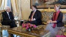 Италианският президент Серджо Матарела продължава консултациите с партиите за съставяне на коалиционно правителство.
