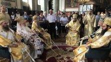Негово Високопреосвещенство Старозагорският митрополит Киприан отбелязва имения си ден.