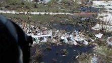 Разрушения на Бахамските острови след преминаване на урагана Дориан, заснети от американската брегова охрана.
