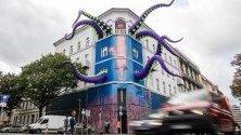 """Подготовка за фестивала на изкуствата Urban Nation Biennale 2019 в Берлин, Германия. Берлинското биенале е """"отворено пространство"""", което отразява последните тенденции в арт средите. Целта на събитието е да даде на млади артисти възможност да представят това, което правят, на по-широка публика."""