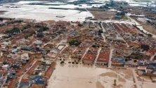 Наводнения в град Торе Пачеко след няколкодневни проливни дъждове в испанската област Мурсия. Правителството ще обяви региона за бедствена зона след смъртта на 6 души.