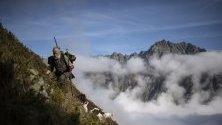 Ловец на лов за диви кози в кантона Граубюнден. В триседмичния ловен сезон ще участват близо 5500 ловци.