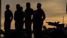 Военни учения в Маракайбо, Венецуела, с участието на най-малко 150 000 души.