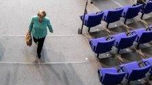 Германският канцлер Ангела Меркел по време на сесия на Бундестага.