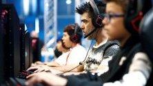 Геймъри играят видеоигри по мреме на Madrid Games Week в изложбения център IFEMA в испанската столица.