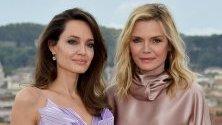 Анджелина Джоли и Мишел Пфайфър на премиерата на филма Maleficent: Mistress of Evil в Рим, Италия.