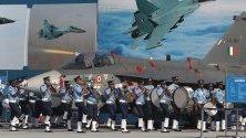 Парад за Деня на военновъздушните сили в Индия. Силите празнуват 87-а годишнина.