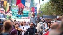 Мъж, облечен като Дон Кихот, участва в Седмицата на Сервантес в Алкала де Енарес, Мадрид. Градът чества наследството на Сервантес всяка година.
