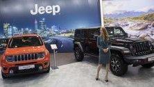 Jeep Renegade и Jeep Wrangler по време на международния автосалон в София.