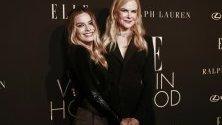"""Актрисите Марго Роби и Никол Кидман по време на годишно събитие на ELLE """"Жените в Холивуд"""" в Бевърли Хилс."""