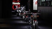 """Мотори на """"Хонда"""", изложени по време на Tokyo Motor Show 2019."""
