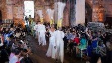 Ревю на доминиканския дизайнер Карлос де Моя по време на Седмицата на модата в Доминиканската република.