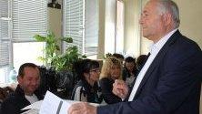 Кандидатът за кмет на Сливен ген. Кольо Милев упражни правото си на глас
