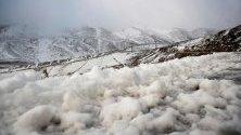 Първи сняг в ски курорта Алто Кампо в Кантабрия, Испания. Температурите паднаха до 3 градуса през деня.