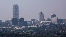 """Строеж на най-високата сграда в Африка - 55-етажната """"Леонардо"""", в Йоханесбург, Южна Африка. При завършването си ще се издига на 234 метра."""