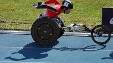 Томоки Сузуки от Япония участва в дисциплината Мъже 1500 м. на Световното първенство за параатлети в Дубай.