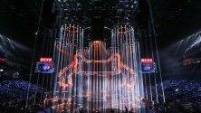 Илюминации в Шанхай по време на откриването на един от най-големите пазарни дни в света - Tmall Double 11 Gala.