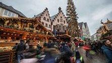 Коледен базар във Франфурт на Майн, Германия, отвори врати.