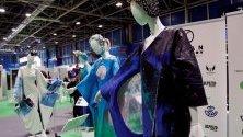 Мода, вдъхновена от океаните, по дизайн на Мануел Фернандес е изложена по време на климатичната конференция в Мадрид COP25.