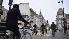 Парижани са се качили на колела на път за работа, заради националната транспортна стачка в ротест срещу реформата в пенсионната система.