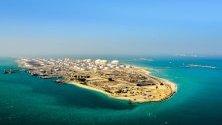 """Петролна рафинерия """"Рас Танура"""" на саудитската компания Aramco."""