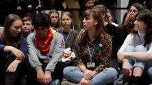 Грета Тунберг присъства със съмишленици на петия ден от конференцията за климата в Мадрид.