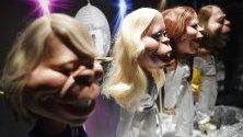 Кукли с образите на членовете на АВВА са част от изложба, посветена на групата, в Лондон. Изложбата ще бъде отворена за посетители до 31 август.