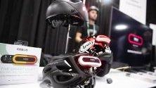Смарт-шлемове на Cosmo Connected изложени по време на CES - Международното изложение за потребителска  електроника в Лас Вегас, САЩ.