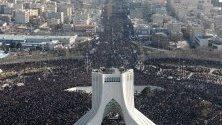 Погребение на убития при американски бомбардировки ирански генерал Касем Солеймани.